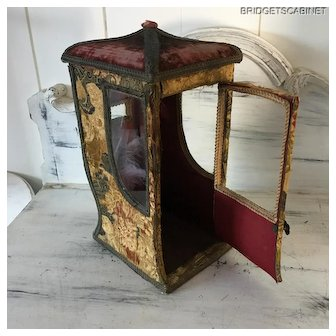 19TH. Century French Pagode Sedan Chair Doll Boudoir Vitrine