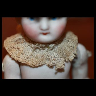 Antique Lace Collar For Smaller  Doll
