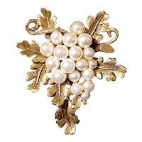 Lovely Florenza Imitation Pearl Grape Cluster Brooch
