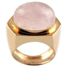 9 Karat Rose Gold 20ct Rose Quartz Ring.