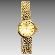 Lovely Ladies Vintage Bucherer 18k Gold Watch