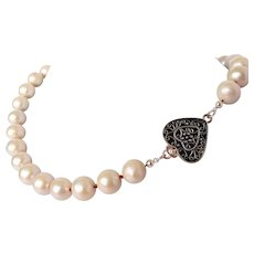 Salt water cultured pearl necklace