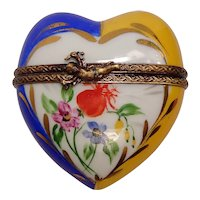 Limoges La Gloriette Floral Heart Hand Painted Porcelain Pill Box