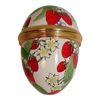 Strawberry Egg Halcyon Days Enamels Bilston and Battersea Pill Box