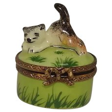 Artoria Limoges Cat and Mouse Porcelain Pill Box