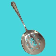 Towle 1924 Louis XIV Nut Scoop Server Sterling Silver