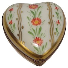 Limoges Parry Vielle Hand Painted Heart and Flower Porcelain Pill Box
