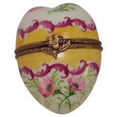 Gorgeous Limoges Parry Vielle Heart Floral Porcelain Pill Box