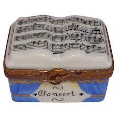 Limoges Music Conductor Podium and Baton Hand Painted Porcelain Pill Box