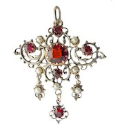 Historism Neo Renaissance Silver Pendant Garnet freshwater pearls
