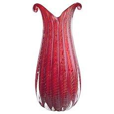 Barovier & Toso ruby red Glass vase, Mid century, Murano, gold powder, Cordonato d'Oro