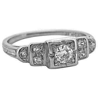 Art Deco .20ct. Diamond Antique Engagement Ring Platinum - J37134
