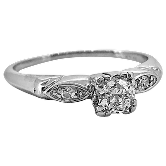 Art Deco .33ct. Diamond Antique Engagement Ring Platinum - J37138