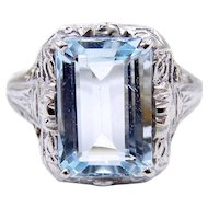 Art Deco 18 Karat White Gold Aquamarine Filigree Ring