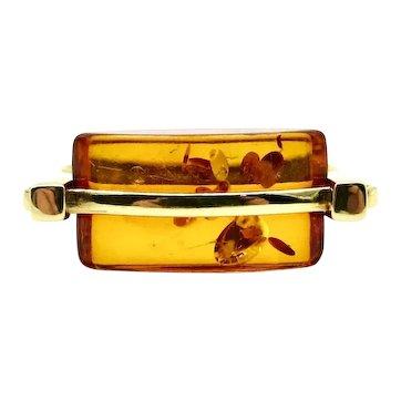 14 Karat Yellow Gold Amber Ring - Size 6