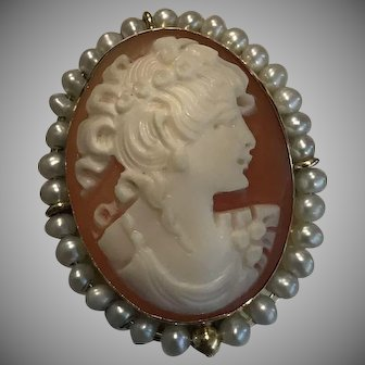 14k Ring Italy Large Cameo & Seed Pearl