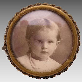 Photo Pin of Sweet Little Girl, circa 1910