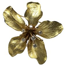 TIFFANY & CO. 750 Diamond 0.36ct Flower Lily 3 Dimensional Textured Pin Brooch 18K Yellow Gold