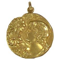 18K Gold Art Nouveau Locket Woman with Flowers