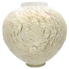 Art Deco R. Lalique Gui Pattern Vase