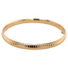14K Gold Ribbed Bangle Bracelet