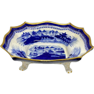 Early English 19th C. Blue & White Chinoiserie Footed Bowl