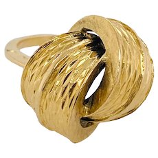 18K Gold Modernist Ring With Abstract Knot Top