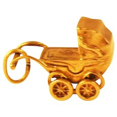 Antique Doll/Baby  Buggy Charm 9 kt Gold Mechanical