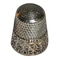 Simons Brothers Sterling/Gold Thimble Mamie
