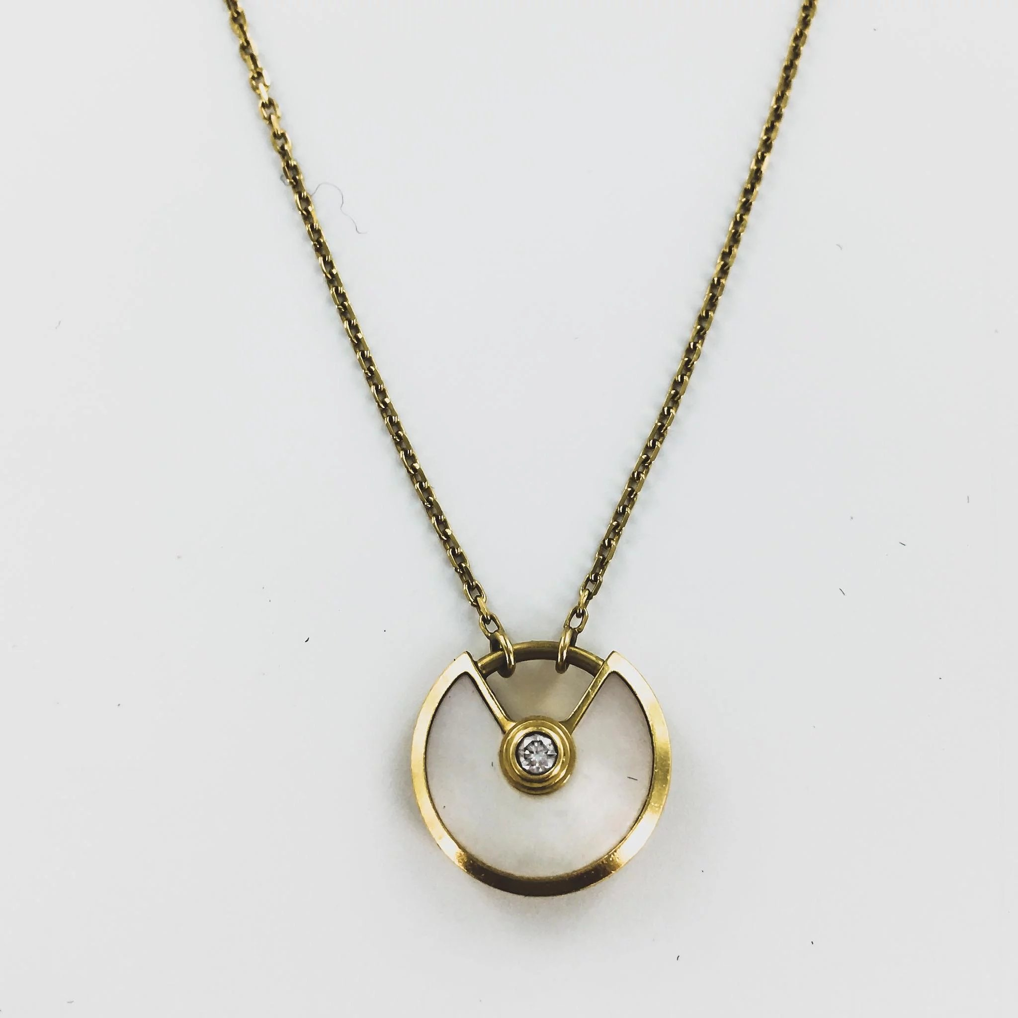 round products gold jewelry lines sapphire necklace pendant