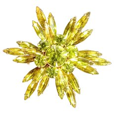 Vintage Judy Lee Green Brooch Pin Citrine Yellow Fall Autumn Star