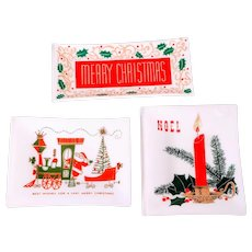 Vintage Houze Glass Mid Century Christmas Trays Barware Santa Snack Tree Candle Holly Sleigh Train Art Glass Holiday