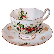 Vintage Queen Anne Teacup Yuletide English China England Christmas Holly Berry