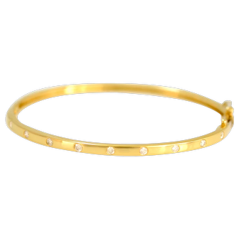 Solid 14K Yellow Gold Natural Diamond Bangle in Excellent Condition!  11.0 g