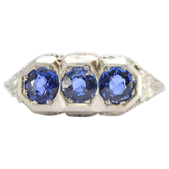 Solid 18K White Gold Antique Natural Sapphire 3 Stone Ring 2.8g