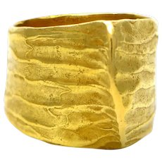 100% Authentic Daniela Vettori 18K Yellow Gold Textured Ring! 12.5 grams