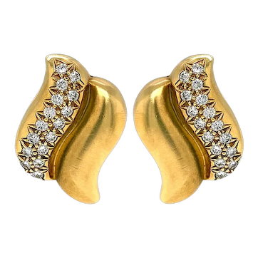 100% Authentic Marlene Stowe 18K Yellow Gold Double Wave Clip Earrings 29.5g