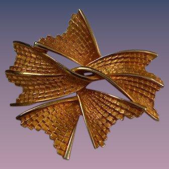 Intertwined Ribbon Brooch Pin
