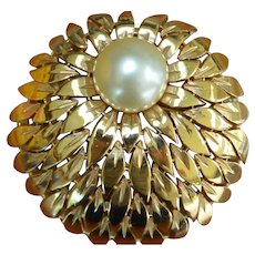 Amazing TRIFARI Domed Flower Brooch Pin