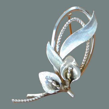 ART Gold Filled Petite Lily Brooch Pin