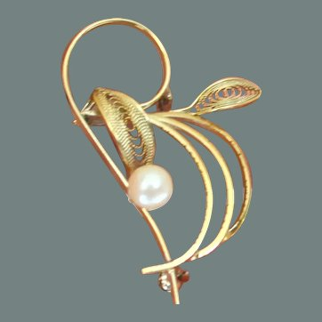 Faux Pearl and Gold Tone Swirl Brooch Pin
