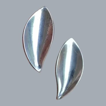 A & K Silver Denmark Curved Leaf Earrings