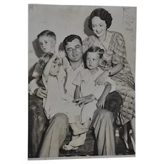 "Jim Braddock ""Cinderella Man"" Family Press Photo c.1935"