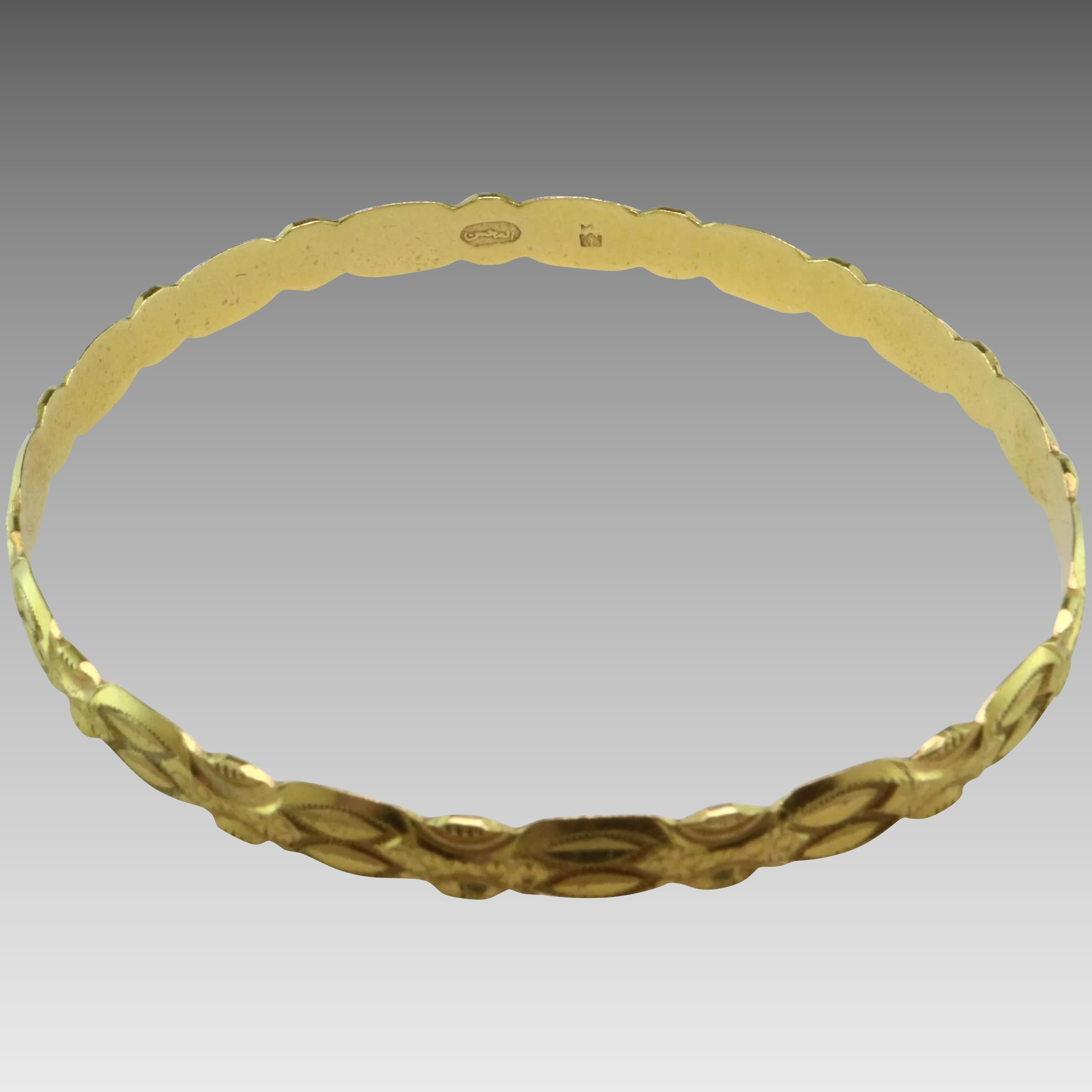 bracelets bangles product owned pre bangle karat clasp yellow gold with safety twisted
