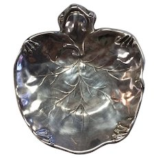 Sterling Silver Frog with Lily Pad Dish Made by Meriden, Meriden, Connecticut