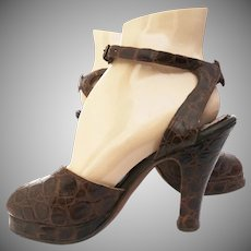 Vintage 1940s Platforms | Brown Alligator Leather | Ankle Straps | Open toes | Di Sim's Originals |