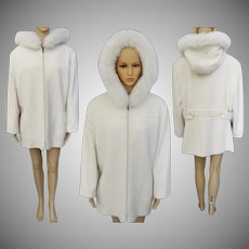 Vintage 1980s Jacket//Off White//Hood// Faux Fur Trim//Preston And York//Peacoat//