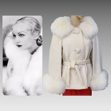 BREATHTAKING Vintage Fox Fur Coat// Jacket// Cape// Creme