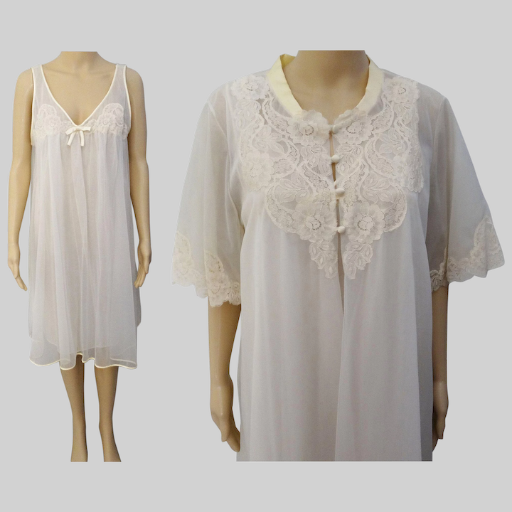 Vintage 1950s Peignoir Set Creme Nightgown Matching Robe Lace Timeless Traveling Vintage Ruby Lane