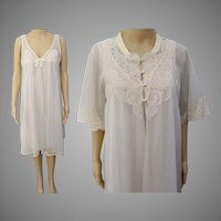 Vintage 1950s Peignoir Set - Creme Nightgown, Matching Robe, Lace Detail, 50s Burlesque Set